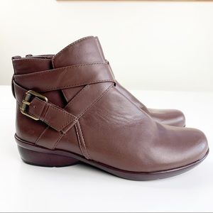 Naturalizer Cassandra Brown Leather Comfort Boots